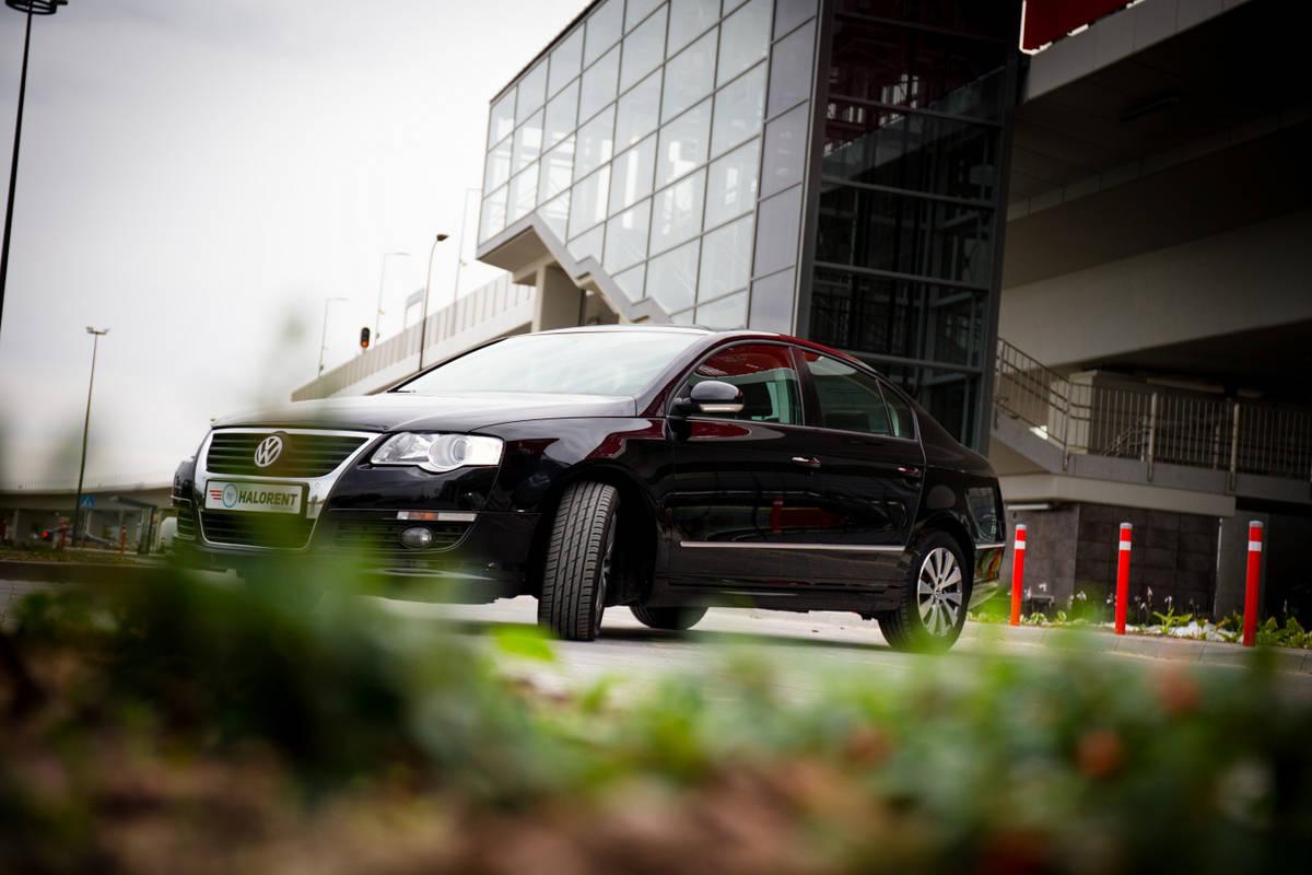 Halorent Samochód przy PKM Gdańsk lotnisko